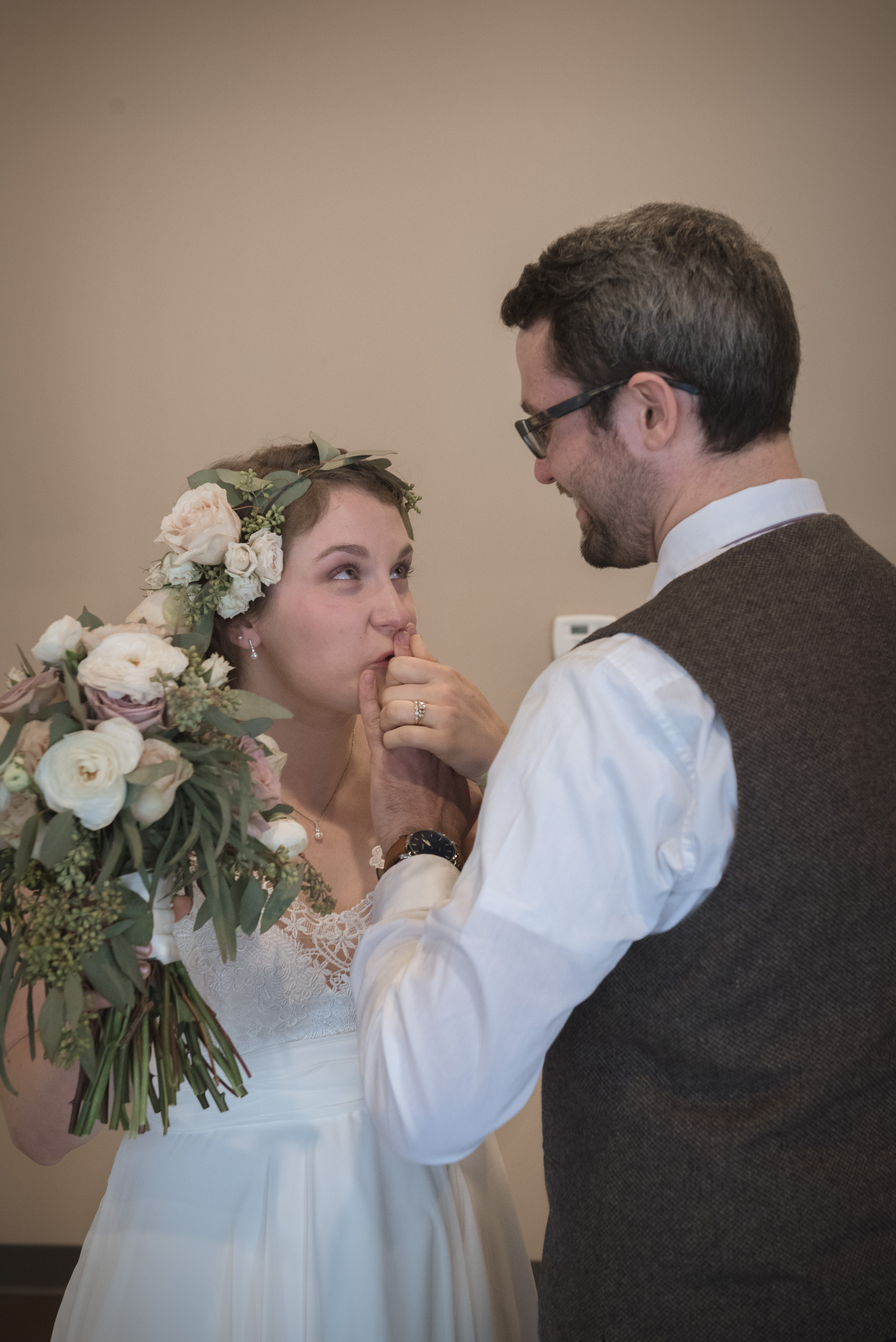 Marriage_Photography__Bride_Groom_wedding_Athens_Ohio_OH_lifestyle_documentary_Brookfield_Church