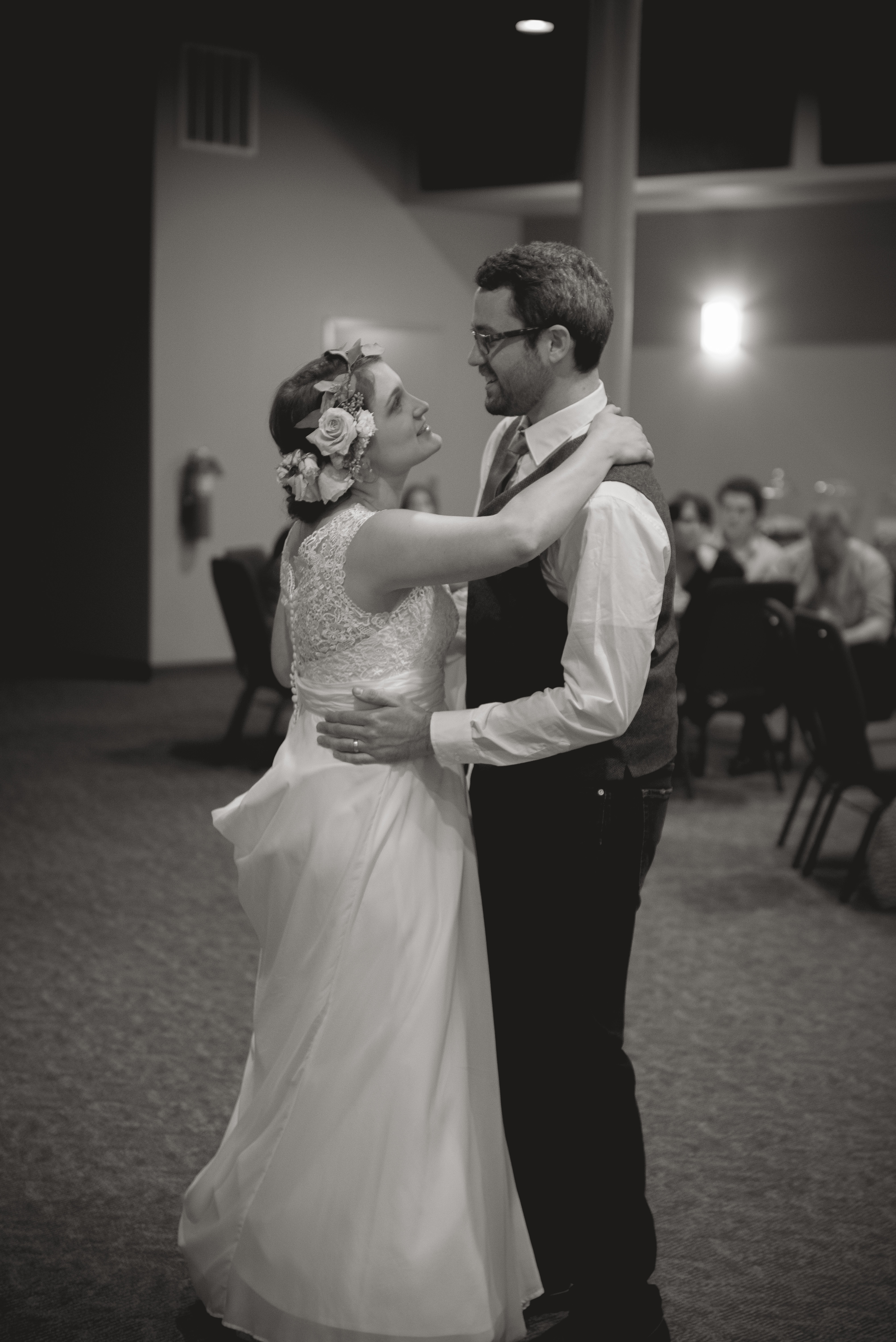 Marriage_Photography__Bride_Groom_wedding_Athens_Ohio_OH_lifestyle_documentary_Cherry_trees_spring_university_college_town_Brookfield_Church