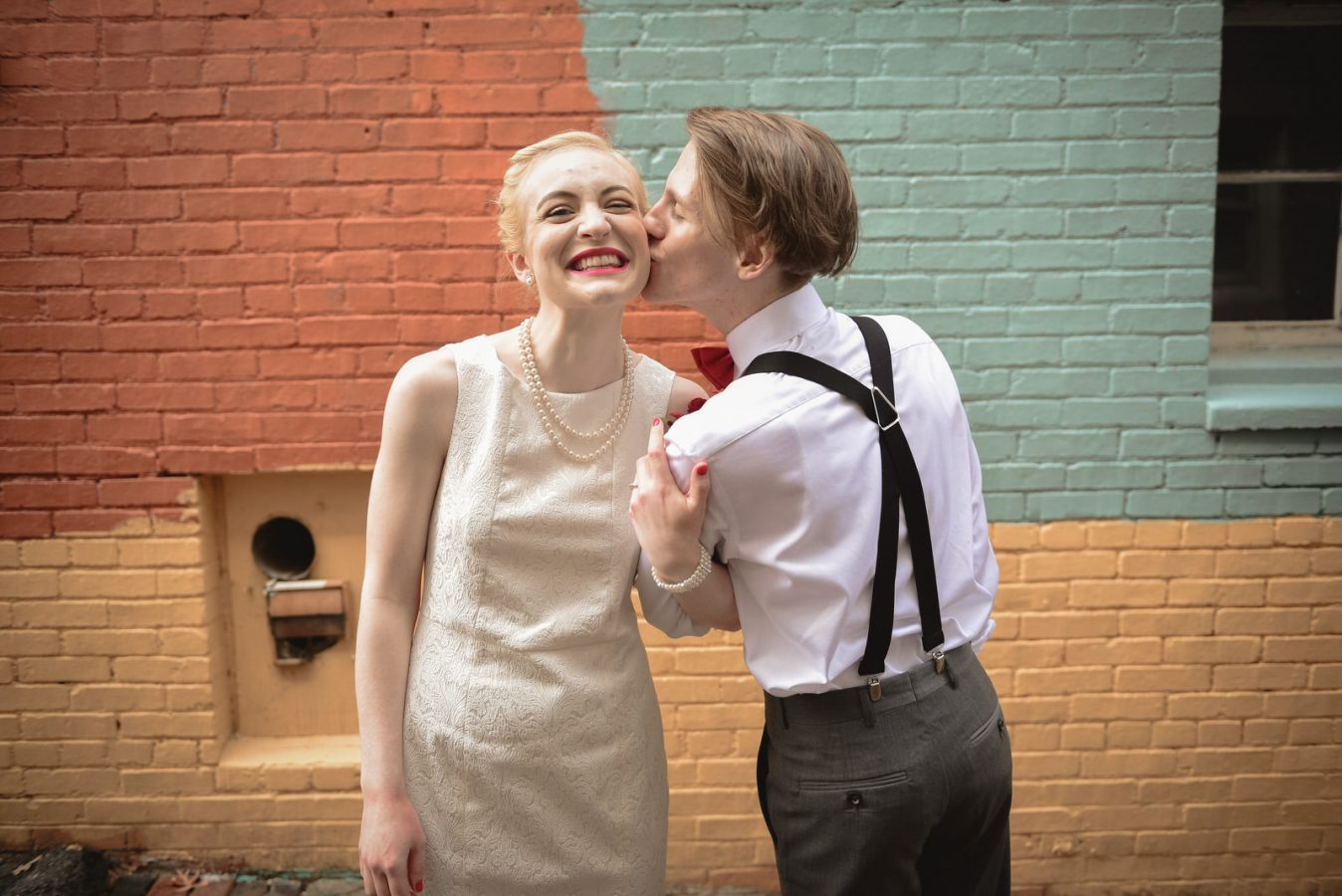 Winter-wedding-athens-ohio-photographer-photography-elopement-weather-court-street-diner