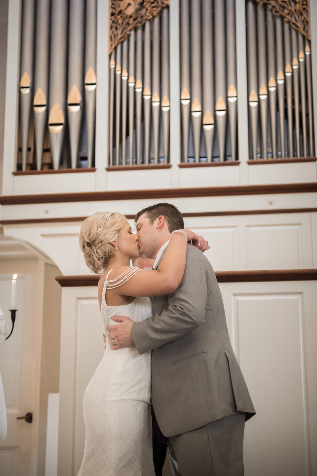 wedding-athens-ohio-photographer-photography-university-walter-hall-galbreath-chapel