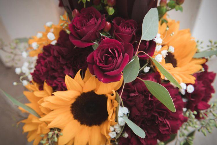 wedding-athens-ohio-photographer-photography-university-galbreath-chapel-college-green-alumni-bobcat-flower-sunflower-fall