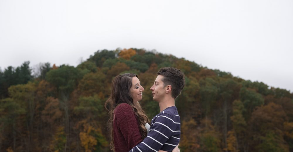 engagement photography in athens ohio at strouds run in the fall